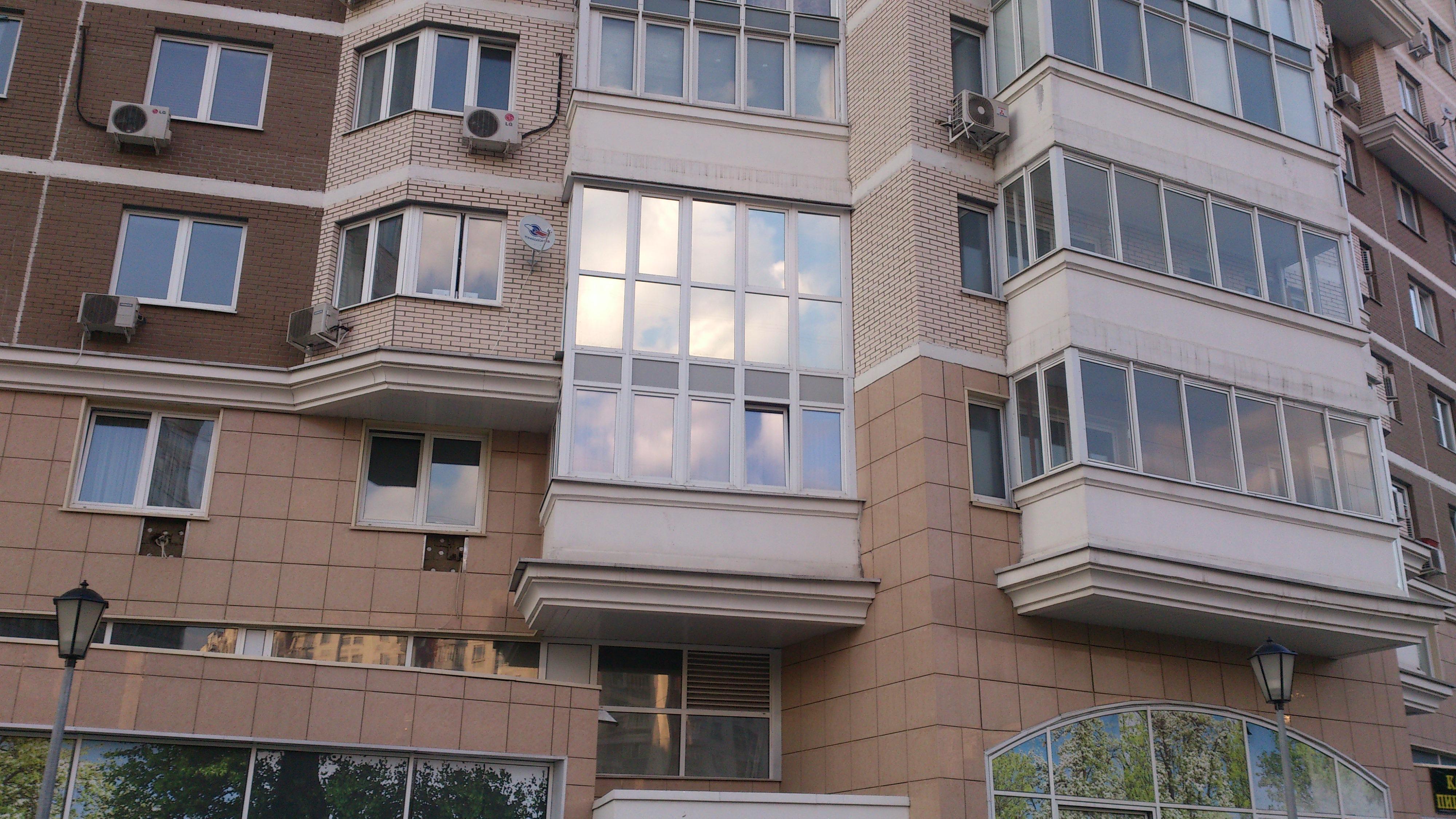 Тонирование стёкол квартиры солнцезащитной плёнкой Silver 15