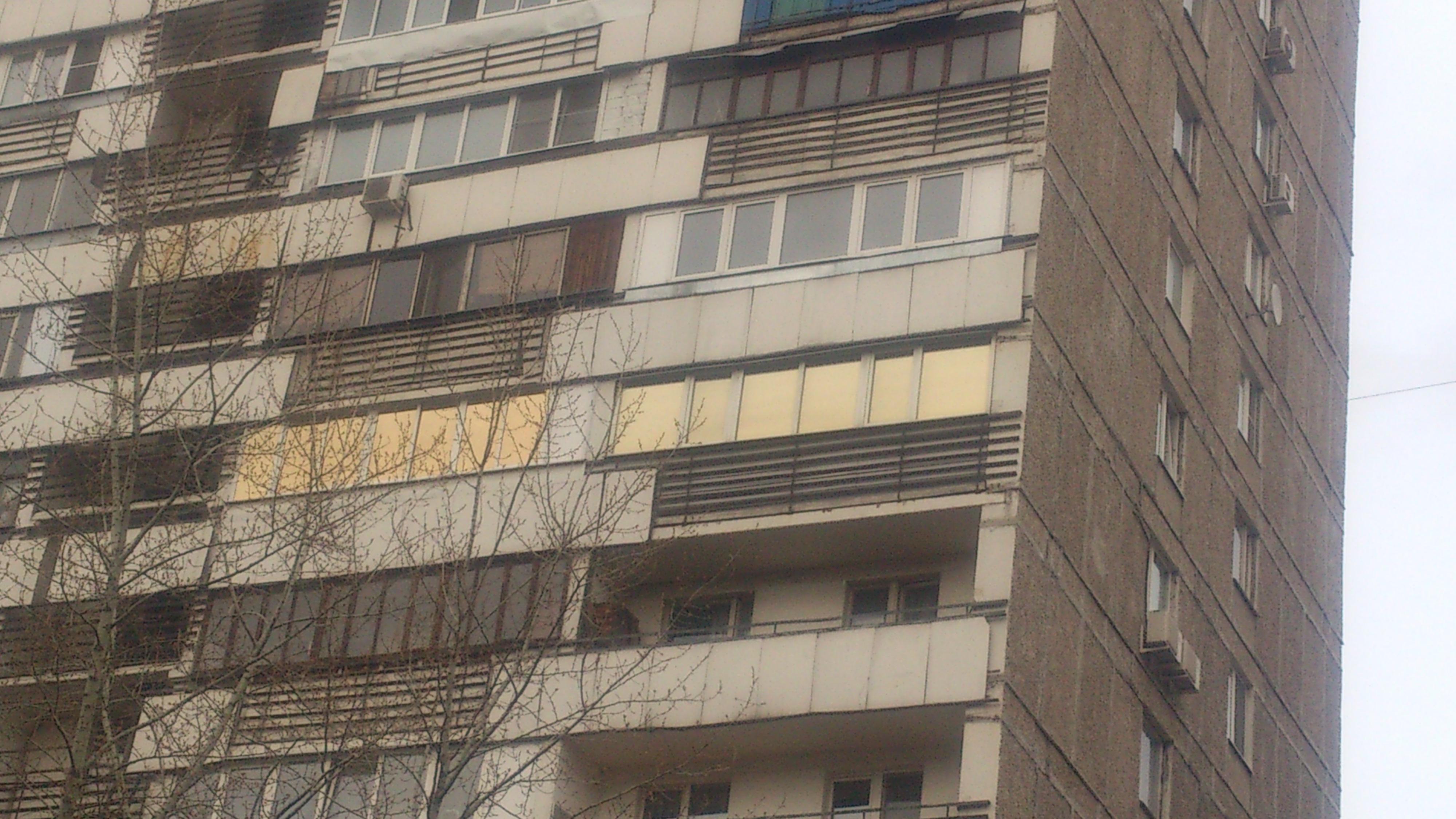 Тонирование стёкол квартиры солнцезащитной плёнкой r Gold 20