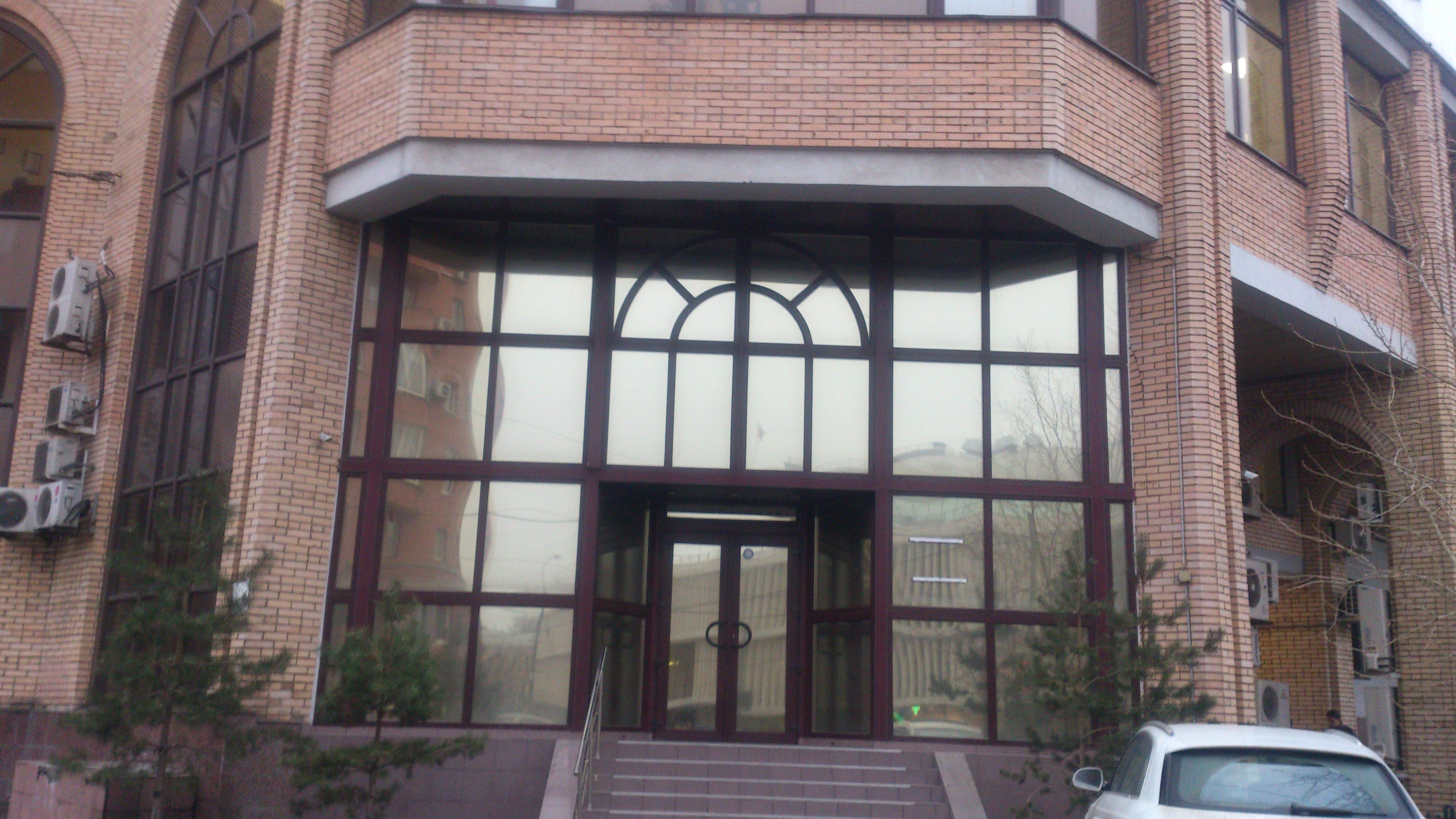 Тонированые окона квартиры солнцезащитной плёнкой Silver 15